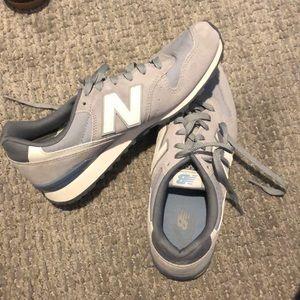 Women's newbalence sneakers